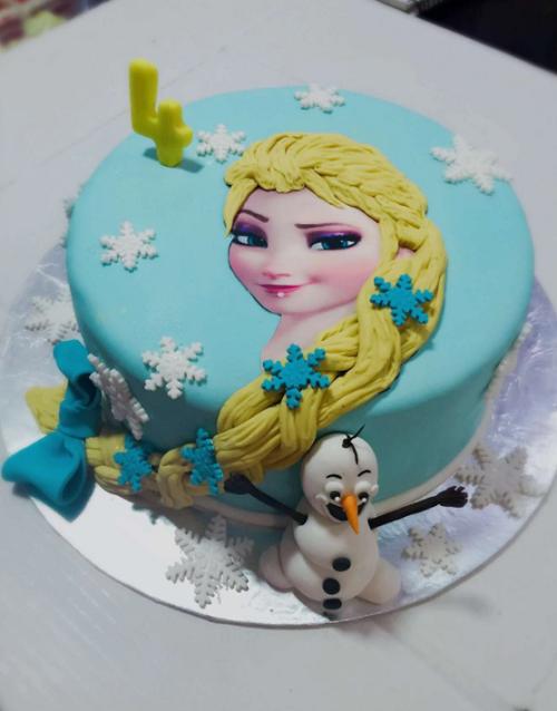 blue Elsa cake
