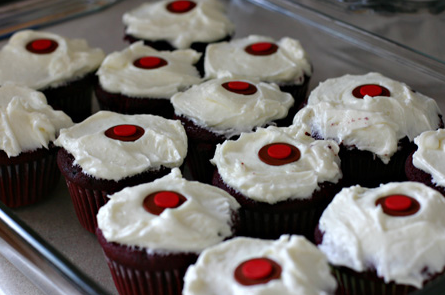 red velvet cupcakes in a tray